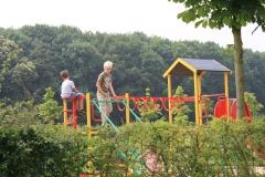 Sweijkhuizen-048-Spelende-kinderen-op-klimrek
