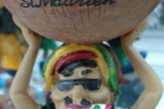 St.-Maarten-1083-Philipsburg-Souvenirs-Figuur-met-schaal-op-hoofd