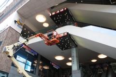 Den-Haag-077-Hoogwerker-bij-Intersport