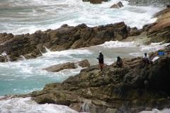 St.-Maarten-0386-Vissers-langs-de-kust