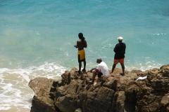 St.-Maarten-0391-Vissers-langs-de-kust