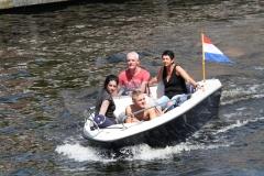 Haarlem-1076-Lekker-in-de-zon-in-een-bootje