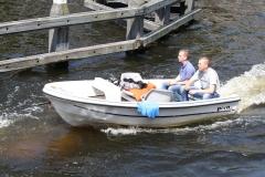 Haarlem-1098-Automatische-piloot-in-een-bootje-op-Het-Spaarne