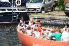 Haarlem-1150-Gezellig-in-een-bootje-op-Het-Spaarne