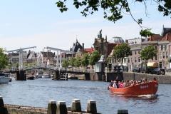 Haarlem-1199-Gezellig-in-een-bootje-op-het-Spaarne