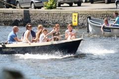 Haarlem-1217-Gezellig-in-een-bootje-op-het-Spaarne