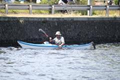Haarlem-1235-Alleen-in-een-roeibootje-op-het-Spaarne