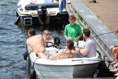 Haarlem-1292-Gezellig-in-een-boot-op-Het-Spaarne