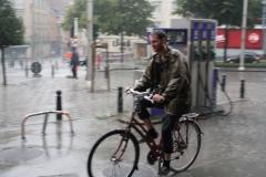 Brussel-2014-0198-Regenbuien-in-de-Marollenwijk