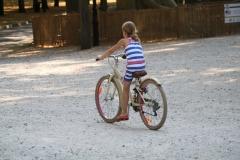 Den-Haag-044-Lange-Voorhout-Meisje-op-de-fiets