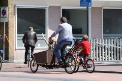 Haarlem-039-Op-de-fiets-bij-NS-station