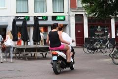 Haarlem-846-Op-de-scooter-door-de-stad