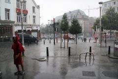 Brussel-2014-0190-Regenbuien-in-de-Marollenwijk