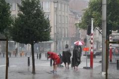 Brussel-2014-0193-Regenbuien-in-de-Marollenwijk